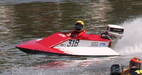 Boat Plans -- V-bottom raceboat for GT Pro racing